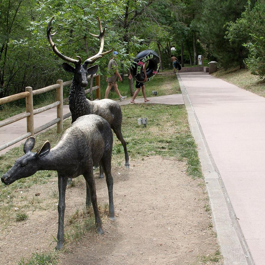 golden-wildlife-sculpture